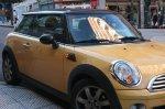 samochód marki mini